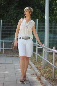 IMG_9210a_ü40_ue40_Fashionblog_BodenShorts_Speedy40_LouisVuitton_weiß_creme_Sonnenhut_SellaandDot