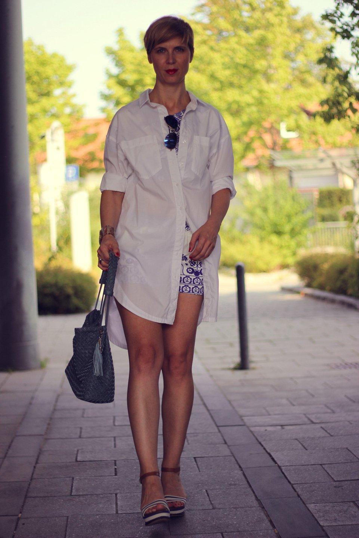 IMG_9622a_Zweiteiler_shorts_blusenkleid_H&M_Blue_Blau_AHemadundaHos_40+style_Fashionoverforty
