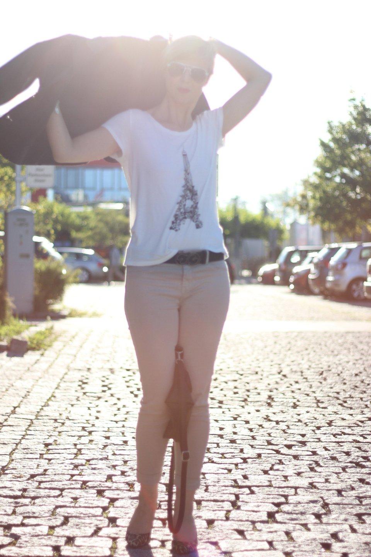 IMG_2130a_JBrand_Jeans_H&M_Shirt_Lederjacke_Hilfiger_LeoPumps_MichaelKors_ConnyDoll_Ahemadundahos