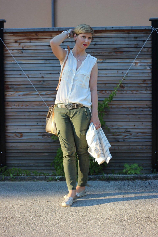 Cargohose, ärmellose Bluse, Espadrilles, Zara, H&M, Louis Vuitton, Speedy, Conny Doll, ü40, Fashionblog, Outfitblog,