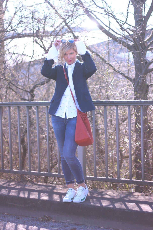 Trompetenaermel, blau, Blazer, Jeans, Karstadt, Only, Lagenlook, weiß