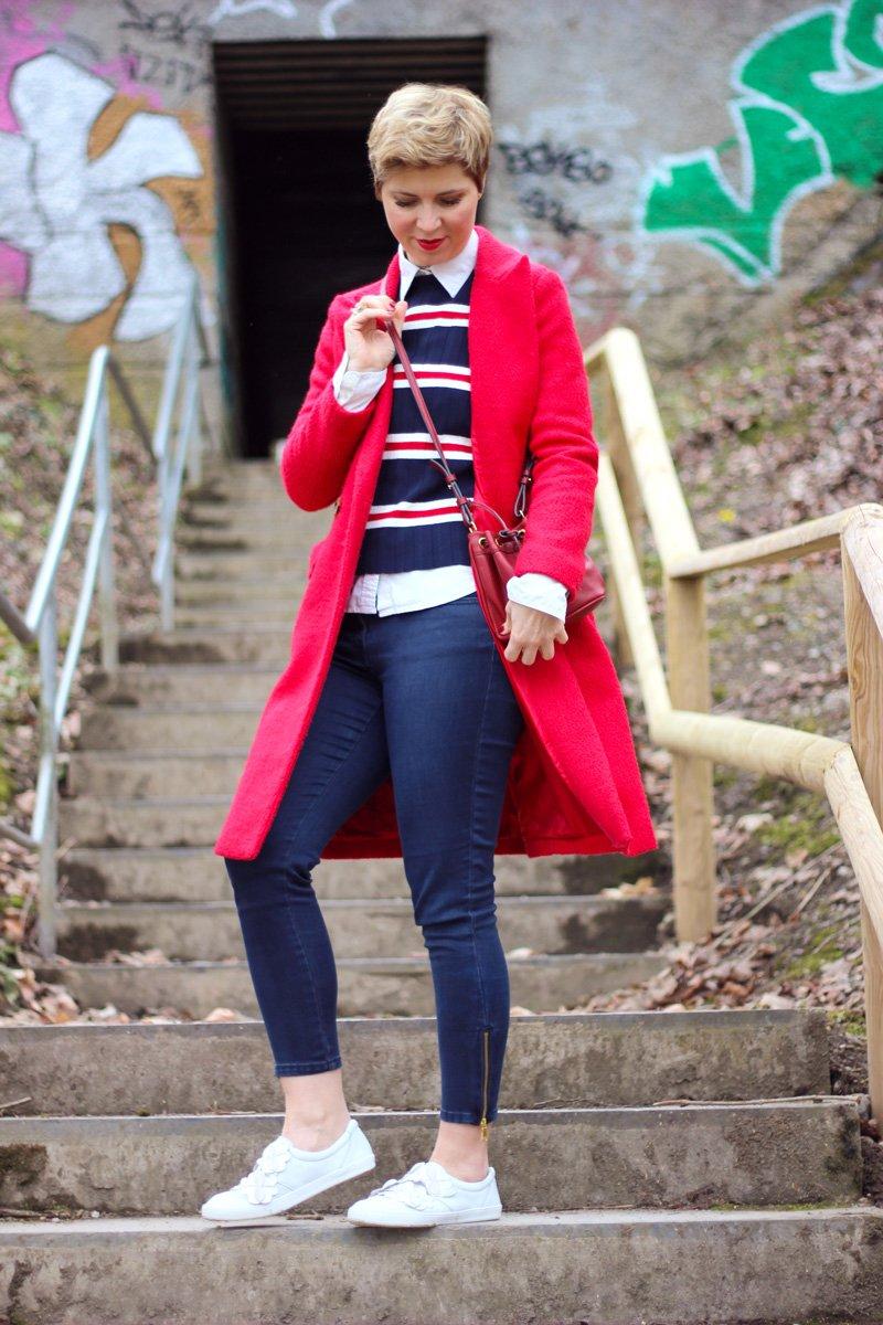 Conny-Doll-Lifestyle: Schuhe für den Hallux Valgus, LaShoe, Sneaker, casual Look, Streifen, rot und blau