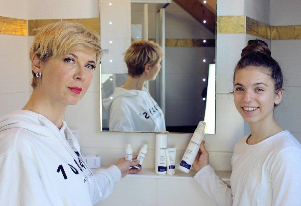 conny doll lifestyle: Pickel: Welche Hautpflege ist die richtige? Mutter und Tochter, Pubertät, Dermasence, unreine Haut, Systempflege