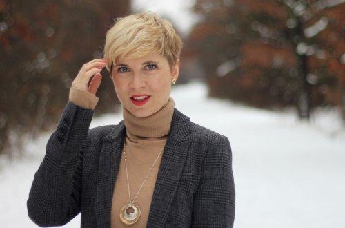 conny doll lifestyle: Eine Sonntagspredigt zum Feminismus und UGGs im Schnee, Winterlook, Mantel, beige, Blazer, Marc O'Polo, grau, braun, Rollkragenpullover