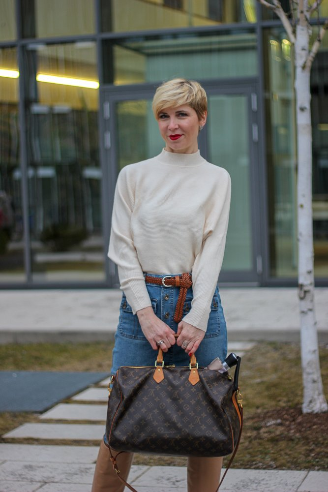 conny doll lifestyle: denimrock, pullover, strumpfhose, feinstrumpfhose, Stiefel, Frühling, Wie gehe ich mit Feinstrumpfhosen um