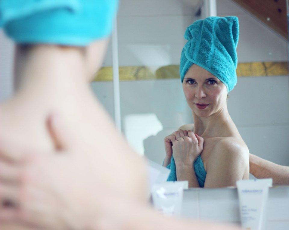 conny doll lifestyle: Mein Liebling für Körperpflege - Fruchtsäurepflege für die Nacht, Bodylotion, AHA Body&Face, Dermasence, Systempflege, Anti-Aging, gesunde Haut