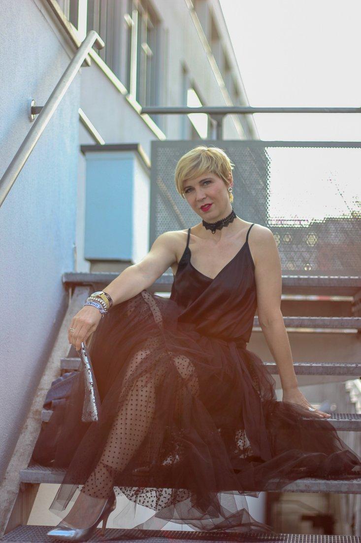 conny doll lifestyle: Abendkleid für den roten Teppich, Tüllrock, Seidentop, Zweiteiler, Goldene Kamera, itcosmetics, Helene Galwas,