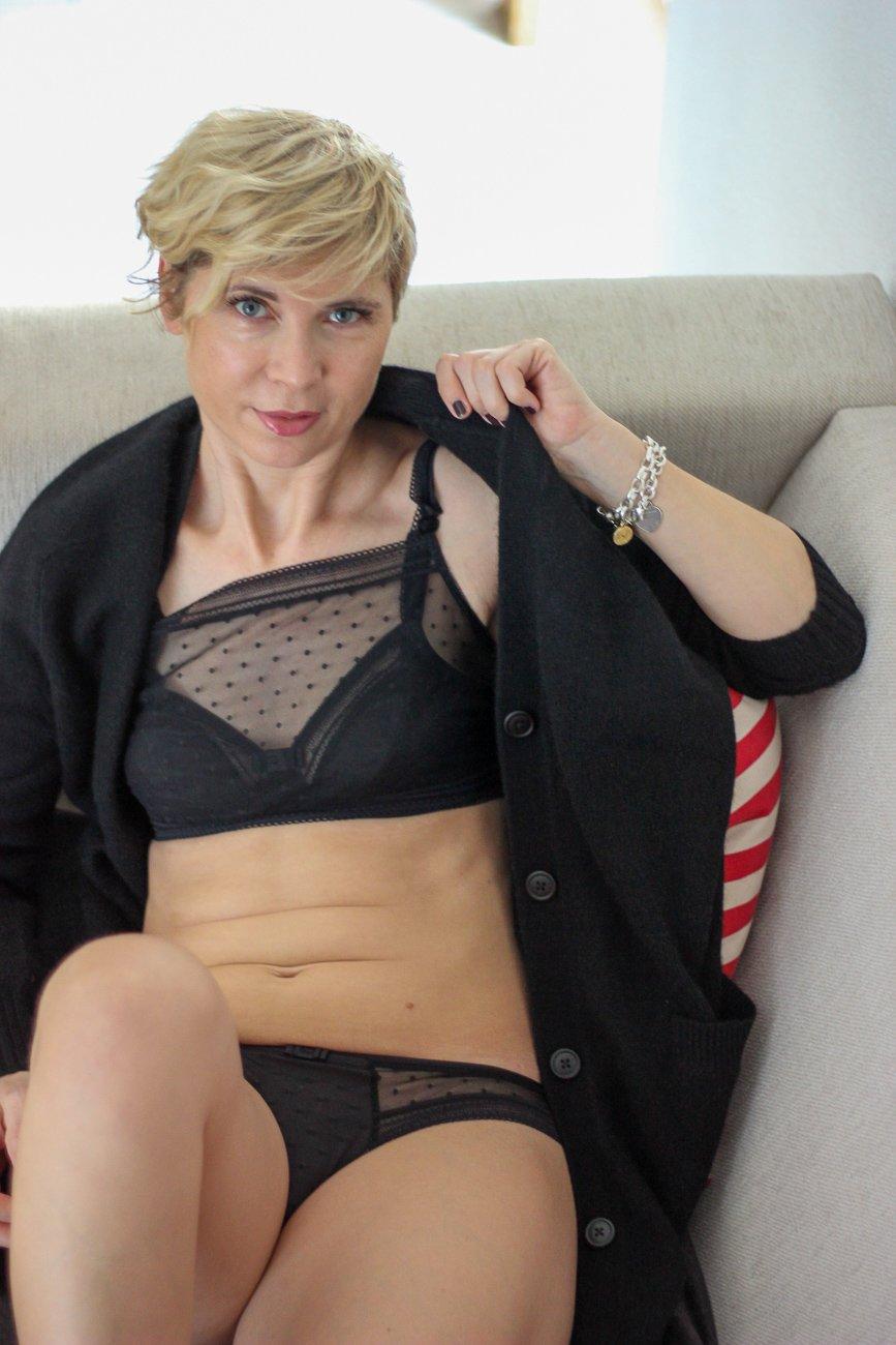 conny doll lifestyle: Spitzenwäsche Emily von Rosa Faia für kleine Brüste