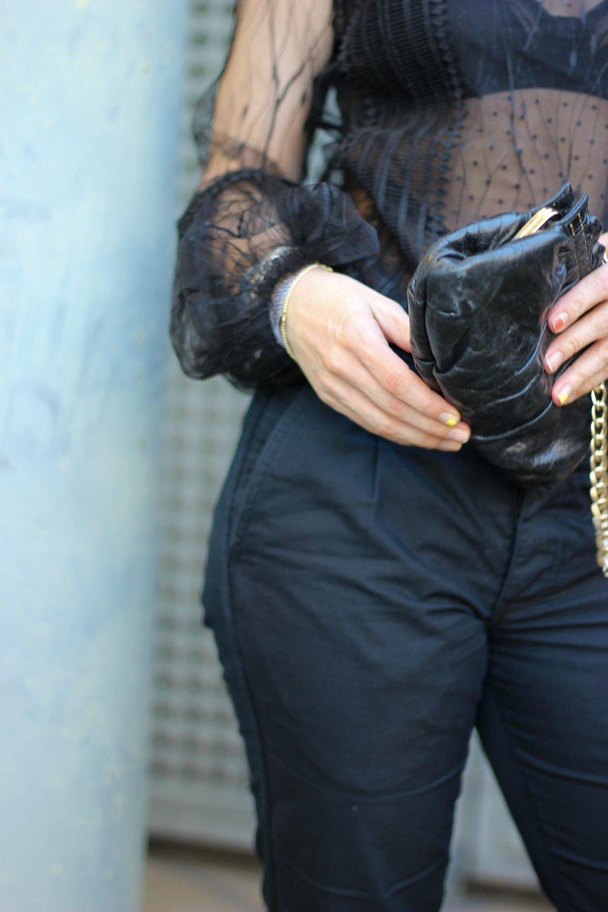 conny doll lifestyle: Spitzenbluse, schwarze Details, Abendoutfit, Bundfaltenhose,
