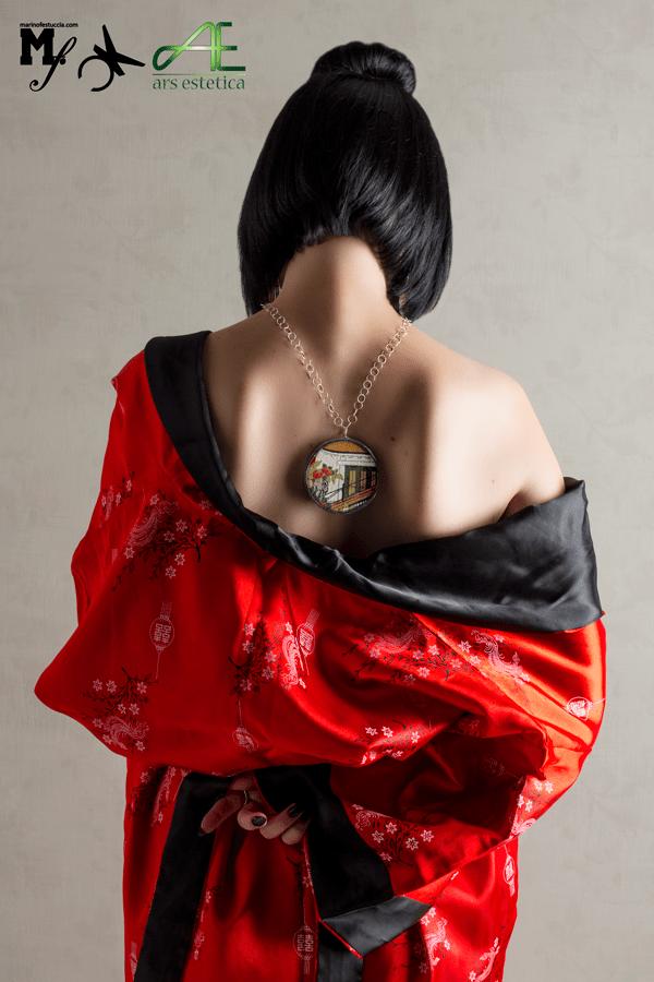Catena lunga ciondolo artigianale pezzo unico, indossati in maniera alternativa