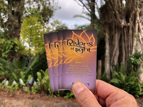 リバーズ・オブ・ライトのチケット