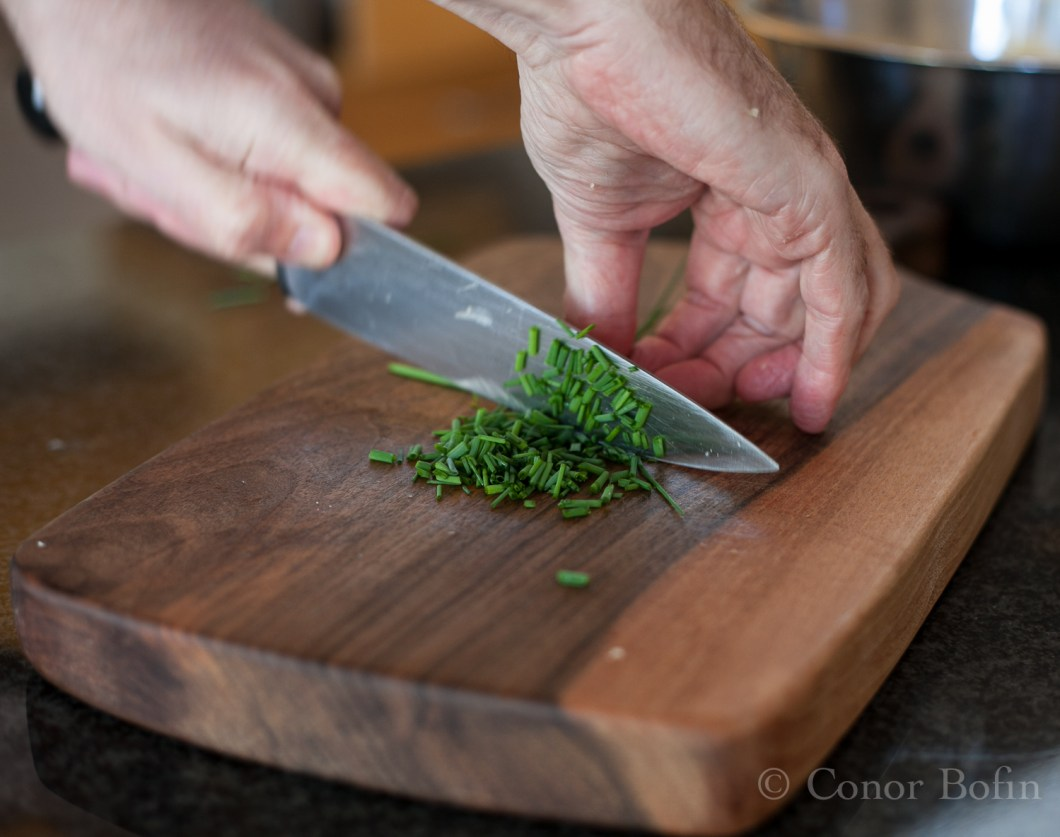 Give the chives the same treatment as the garlic.