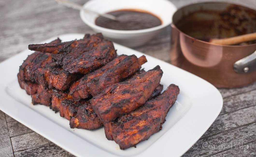 Tasty, smokey, mild and delicious. Top ribs and delicious dipping sauce.