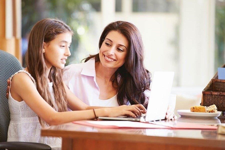 Los padres deben involucrarse en la adolescencia de sus hijos