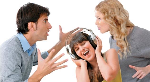 Comunicación entre padres-hijos adolescentes