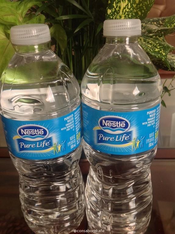 cuanta agua es recomendable tomar para bajar de peso