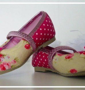 Cute girls party shoes, flower girls shoes, floral ballet pumps