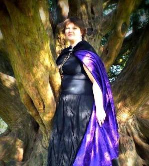Tarot card readings for a psychic glimpse into your future or to answer a question. Liz Cormell has 20 years experience and was taught by a Romany Gypsy