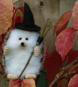 Miniature Needlefelt Witch Hedgehog