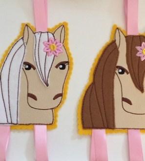 ponyhairclipholder