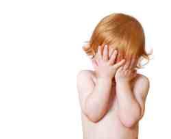 Couper les cheveux de bébé