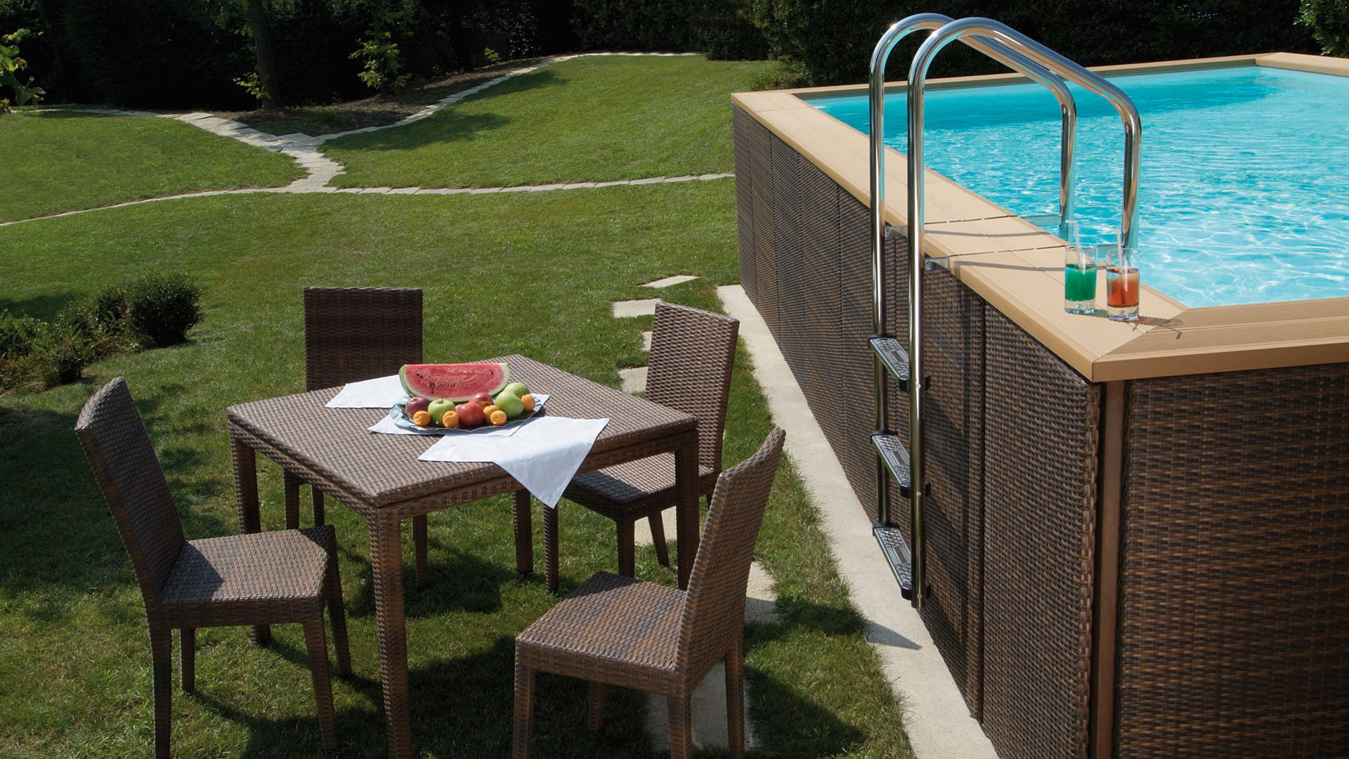 Latest piscine horssol bois bois composite et acier with for Piscine hors sol composite gris