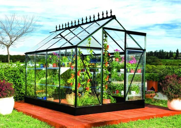 Conseil jardinage : l'utilité des serres de jardin ?
