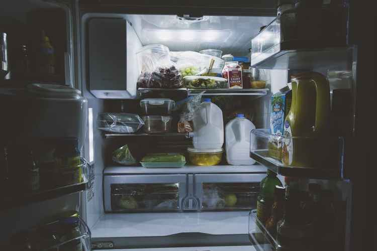 Comment éviter d'avoir de l'eau qui coule dans le réfrigérateur?