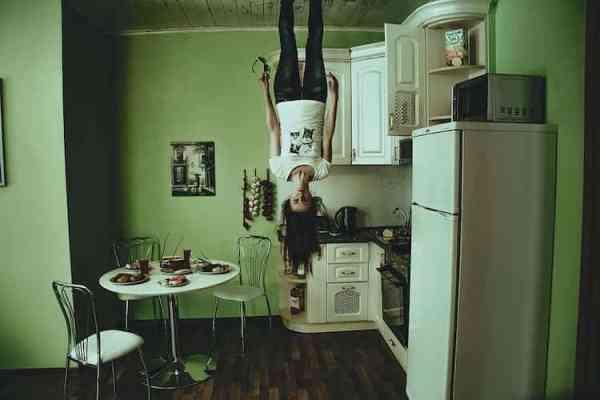 Comment tapisser un plafond ? Tutoriel : coller de la toile de verre au plafond