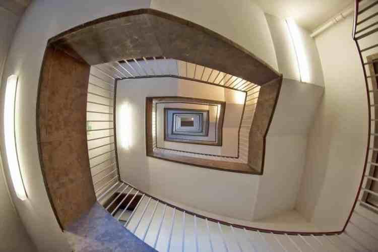 Comment changer un escalier dans une maison à étage ? Est-ce difficile ?