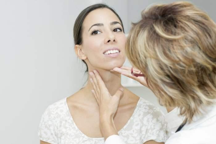 Bocio: bulto o hinchazón en el cuello (Síntomas y tratamientos)