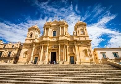 Deus merece um templo luxuoso!
