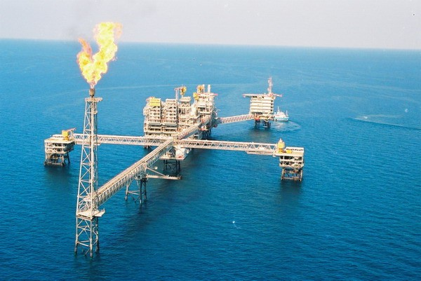 https://i1.wp.com/www.conservapedia.com/images/1/11/Industrial_Gas_Oil_Qatar.jpg