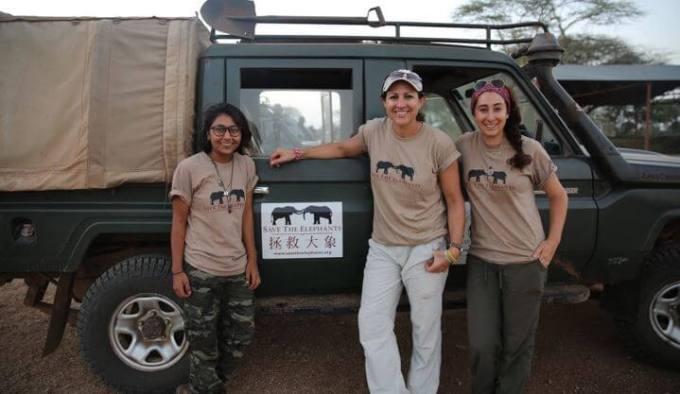 Ex camp coordinator Naiya Raya, Lucy King and Lydia Tiller during the collaring (photo credit Lydia Tiller)