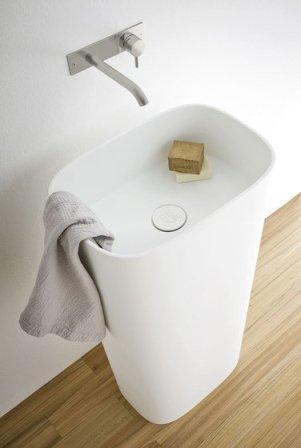 vasque totem en céramique acrylique