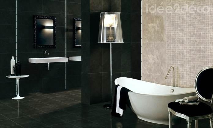 Salle de bain baroque noire