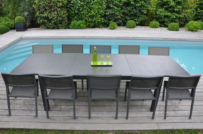 photo-mobilier-jardin-salon-de-jardin-plastique-10-personnes