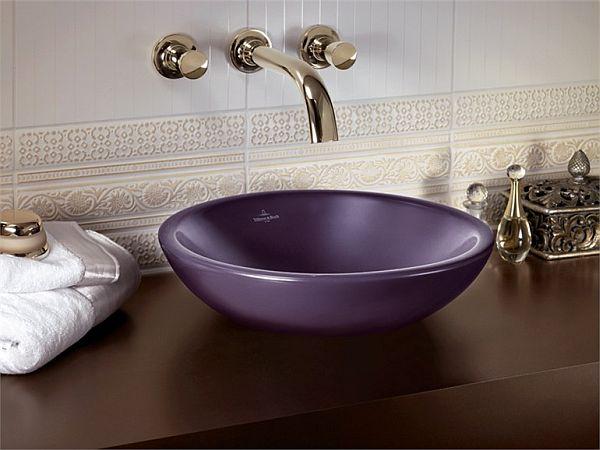 robinet-aux-finitions-brillantes-avec-vasque-a-poser