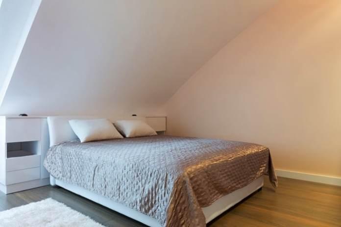 chambre-sous-toit-foamfoto-9222