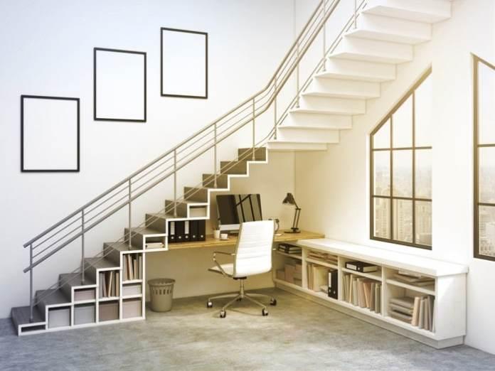 aménager une bibliothèque sous l'escalier  20 idées