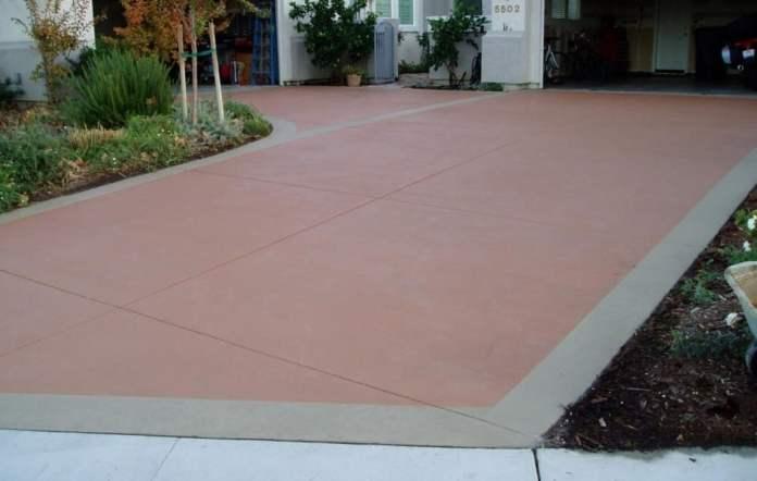 terrasse repeinte en couleur orange - terre battue