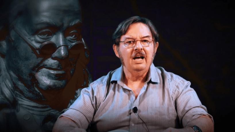 Jim Watkins, l'homme au cœur du système QAnon