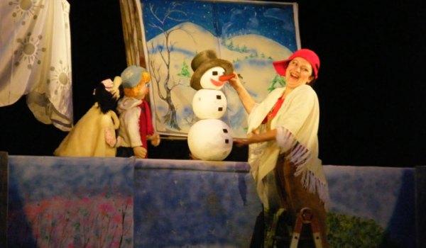 Anotimpuri cu povesti - Teatrul pentru Copii si Tineret Calutul de Mare