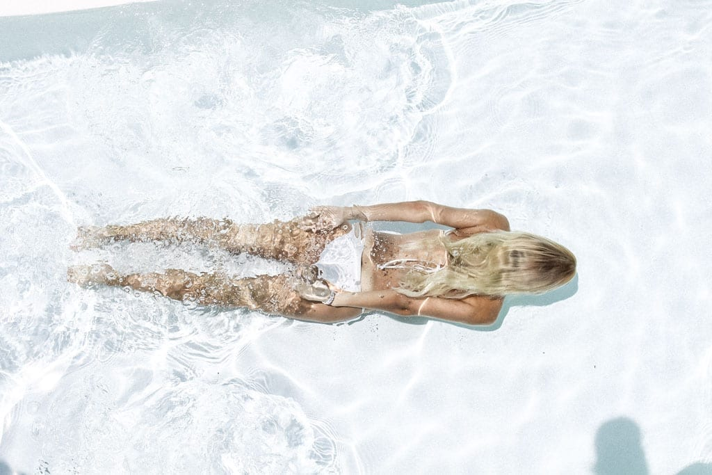 CK-1606_Sardinien-Sardegna-Sardinia-Italy-Italia-Fashion-Blog-Beach-Caribbean-Dress-Blonde-Karin-Kaswurm-Bikini-Kiini-0831