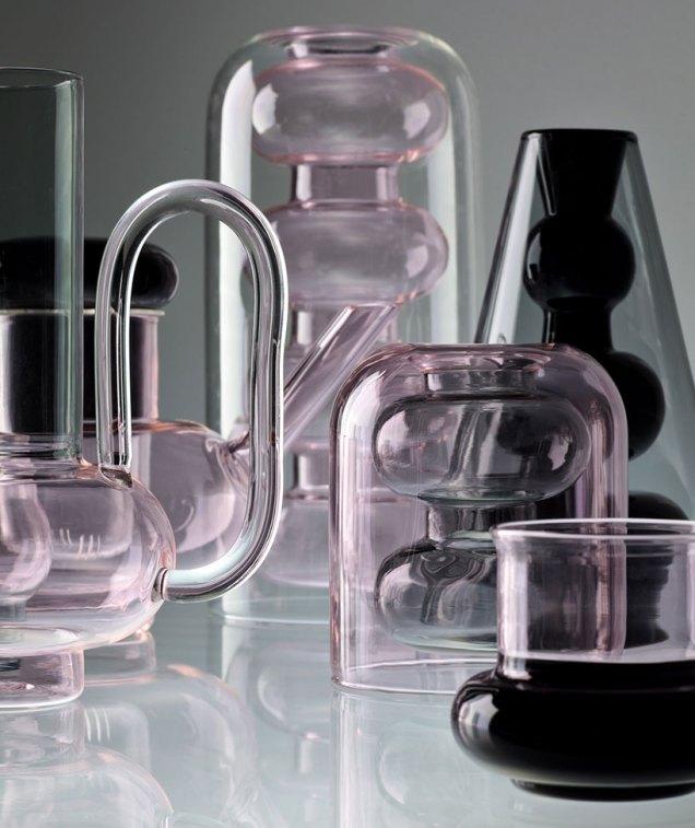 Los vasos de vidrio buscan convertirse en instrumentos rituales de beber y servir todos los días.