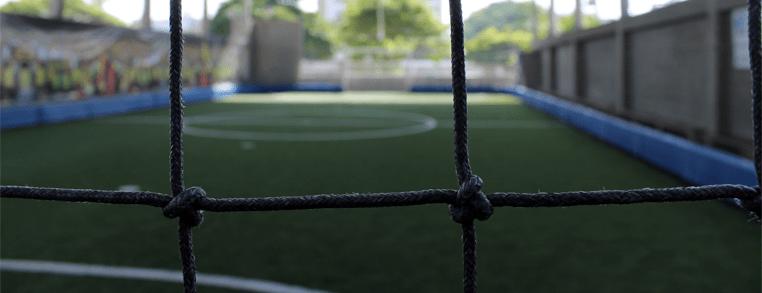 Cerramiento, Escenarios deportivos, Mallas de nylon, grama y césped sintético