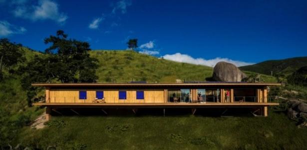 Maison Bois Cologique Parfaitement Intgre Dans La