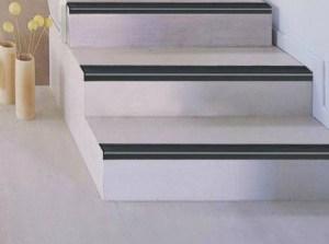 Nez de marches pour escaliers