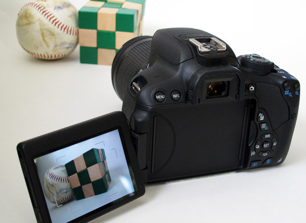 First look  Canon EOS Rebel T5i offers smart design and lots of features