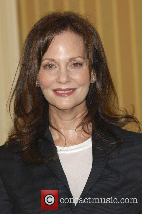 https://i1.wp.com/www.contactmusic.com/pics/lc/step_up_2_060609/lesley_ann_warren_2446070.jpg